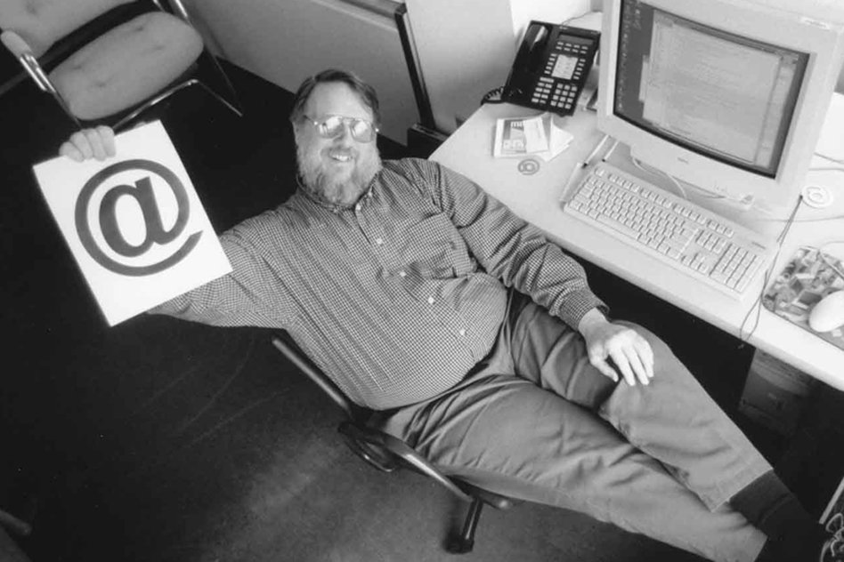 The Man Who Invented Email And Selected @ Symbol Passed Away, Know About Him