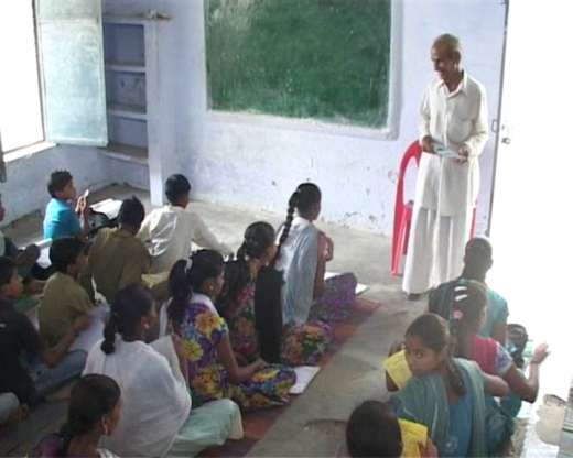 The 76-Year-Old Teacher Who Has Been Working For Last 22 Years For Free