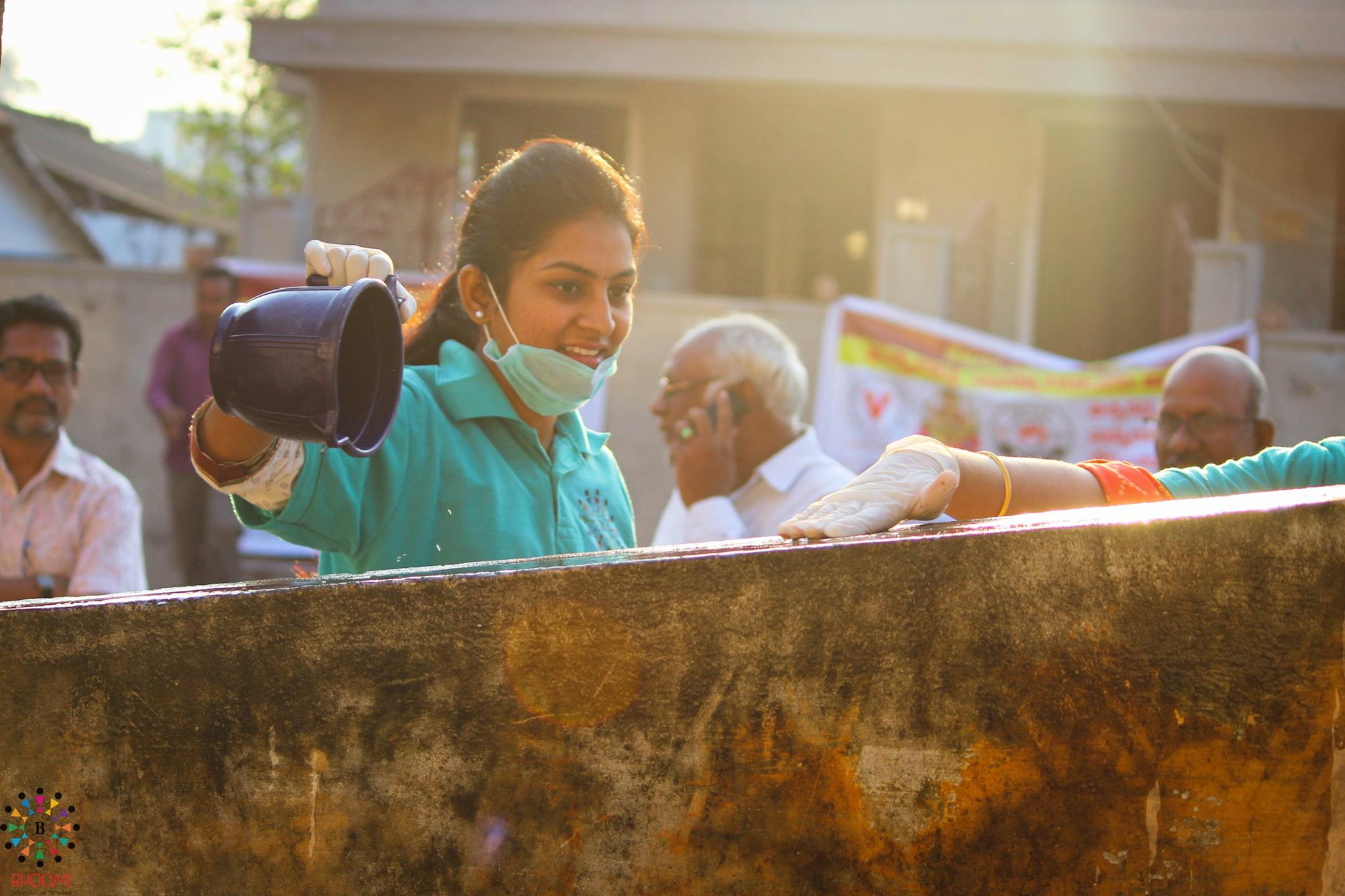 She Travels 300 KM Every Weekend To Her Hometown To Make It Clean And Garbage-Free
