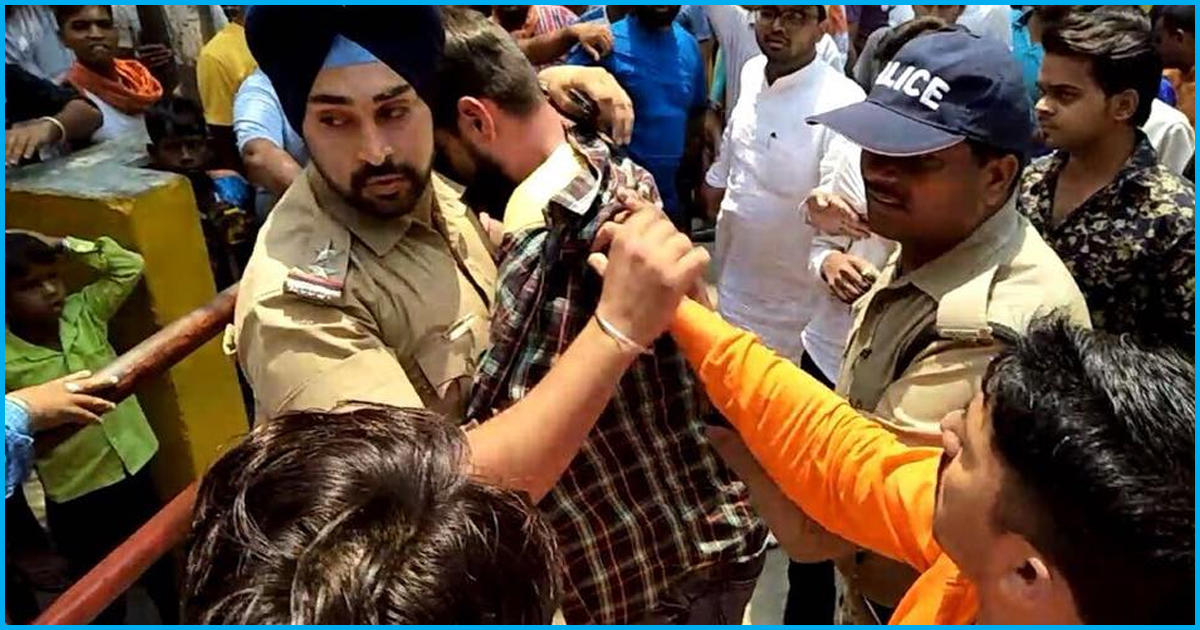 Brave Uttarakhand Cop Saves Muslim Boy From An Angry Mob Led By VHP Activists