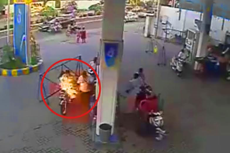 Video: Why Not To Use Cell Phones At A Petrol Pump