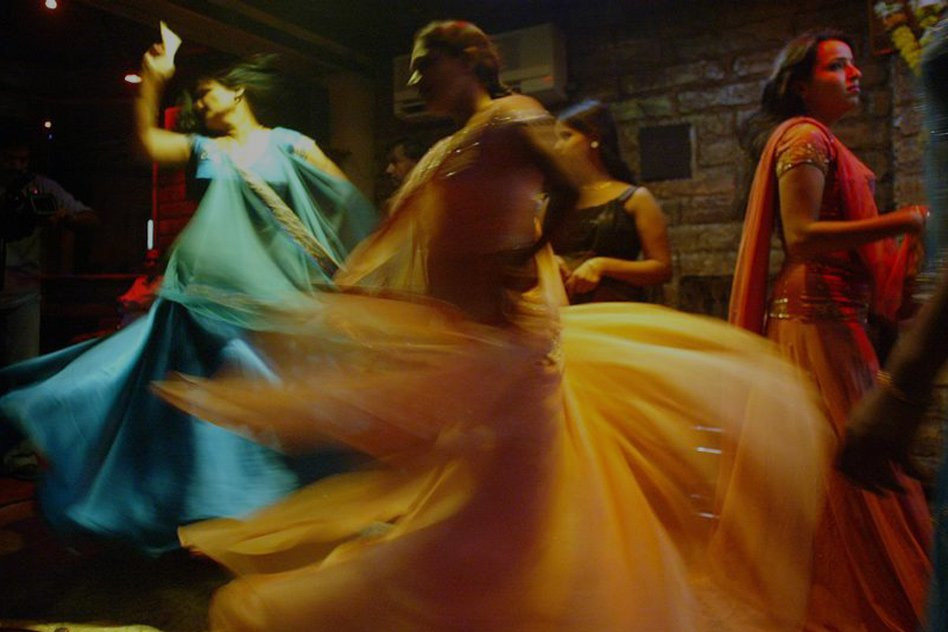 Poll  |  Whats Your Opinion On SC Allowing Dance Bars To Reopen In Maharashtra?