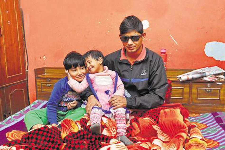 Soldier Visually Impaired In Pathankot Attack, Gets A Hero Welcome At Ghaziabad Home