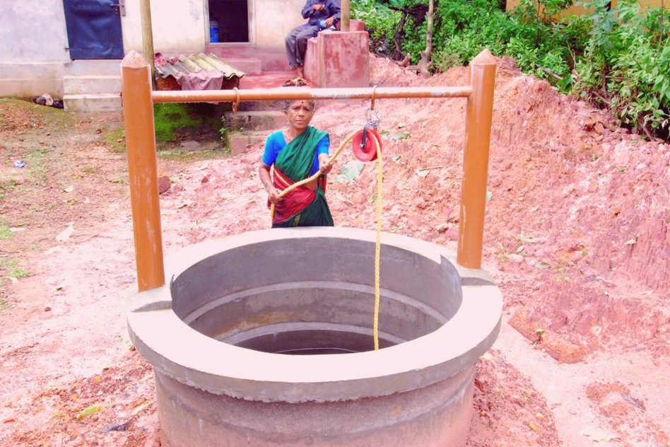 Karnataka: 60-Yr-Old Woman Digs Wells For Villagers In Parched Village Using Her Savings