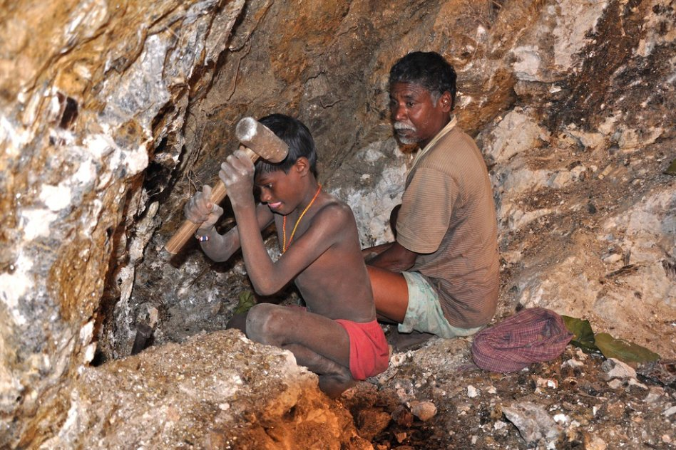 Illegal Mica Mining In India Has A Grim Picture Of Child Labour And It's Killing More Every Month