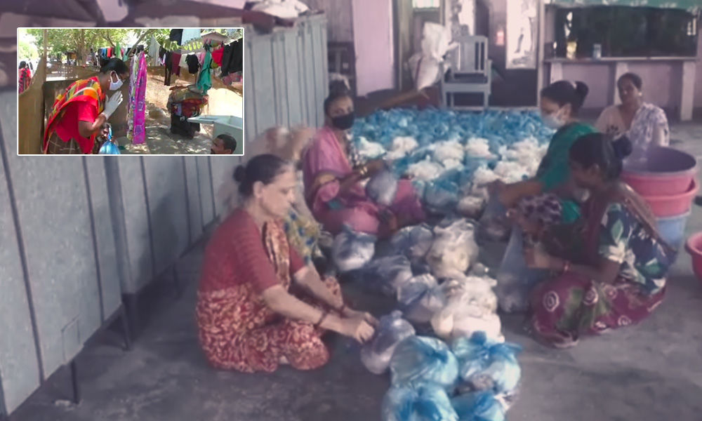 Corona Heroes: The Transgenders Of Gujarat Are Feeding The Needy In Slums Amid COVID-19 Crisis