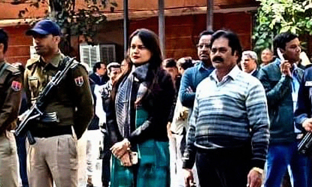 Meet IAS Officer Tina Dabi Who Is Helping Rajasthans Bhilwara Combat COVID-19 With The Ruthless Containment Model