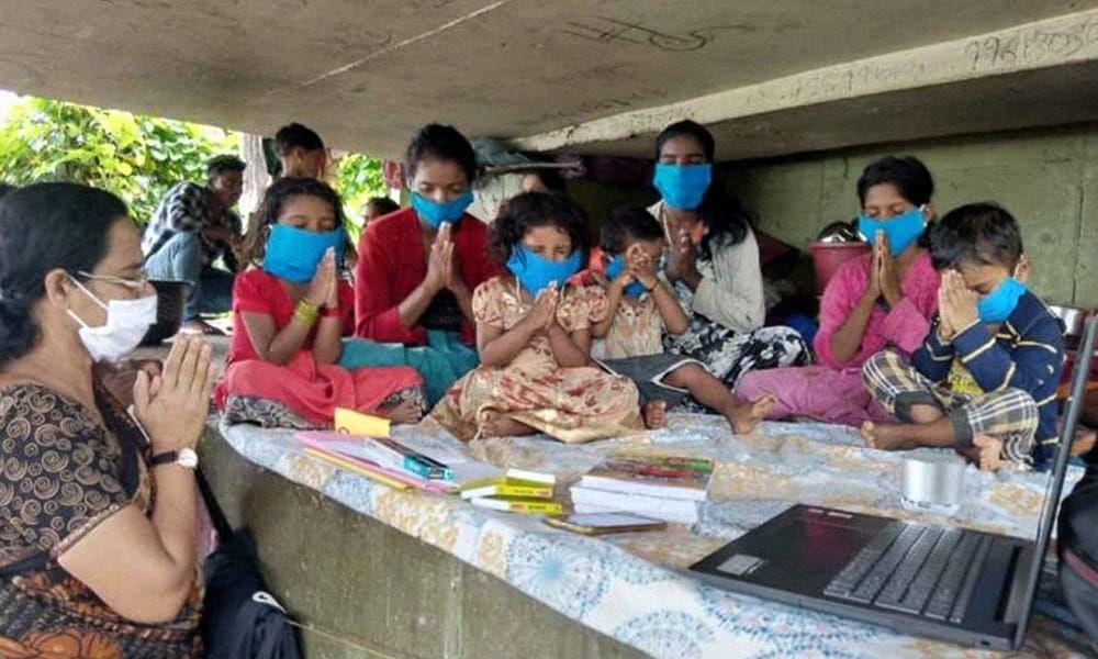 Kerala: Teachers Visit Homeless Children Living Under Bridge To Conduct Classes Amid Coronavirus Scare