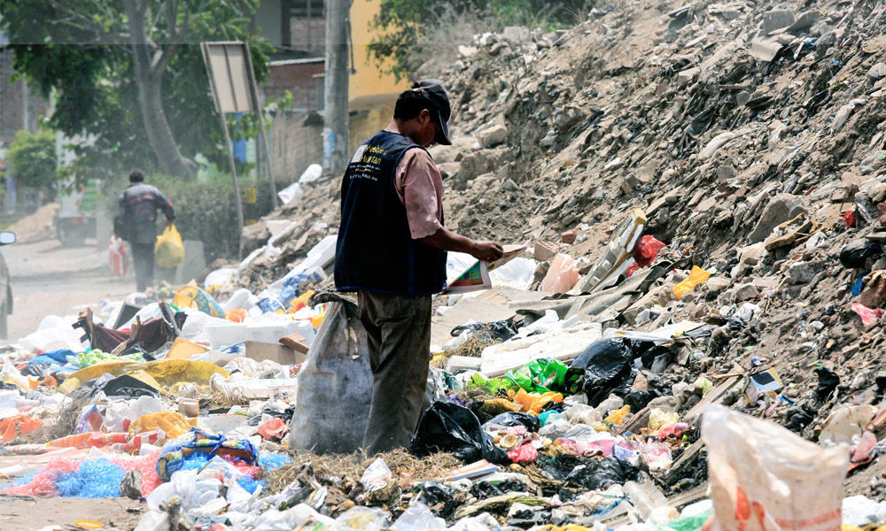 Myanmar: Buddhist Monk Starts Upcycling Drive To Tackle Plastic Waste Generated During Pandemic
