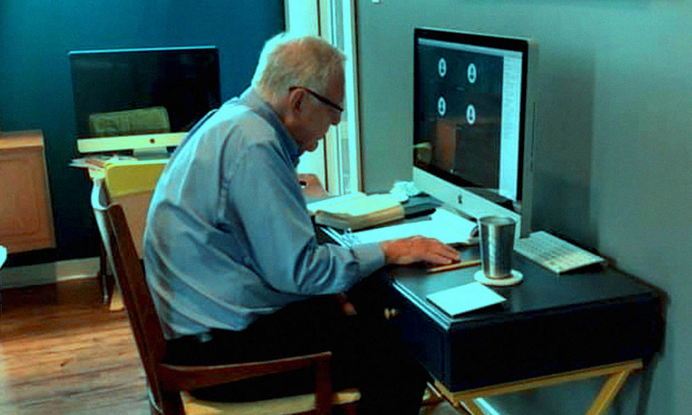 US: 91-Yr-Old Professor Takes Online Classes, Wins Hearts Of Netizens
