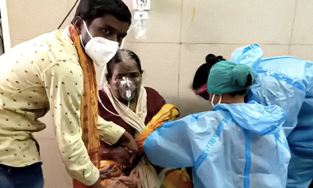 Maharashtra: Shortage Of Beds At Hospital Force COVID-19 Patients To Get Oxygen In Wheelchairs