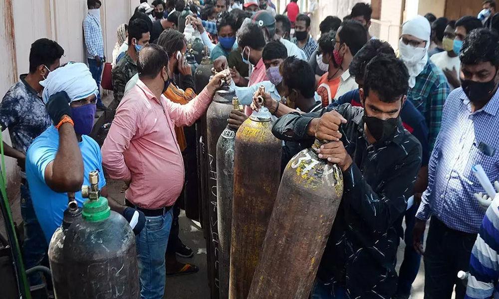 Delhi: Doctors Point At Lack Of Coordination For Oxygen Crisis, Urge To Establish Centralised Help System