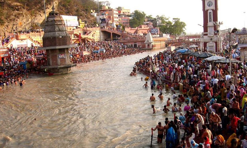 Second Wave Not Over ,Yet Hundreds Take Holy Dip On Occasion Of Ganga Dussehra