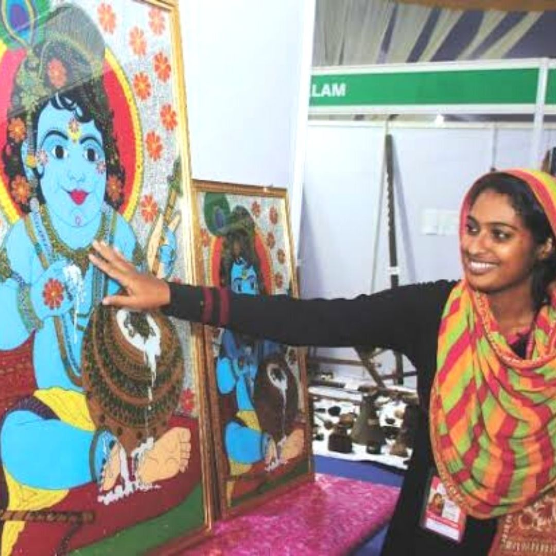 28-Yr-Old Muslim Artist Gifts Lord Krishna Painting To Temple In Kerala