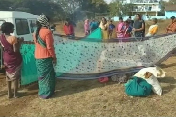 MP Women Gave Birth In Open