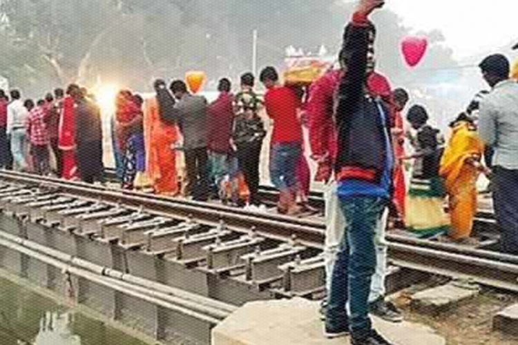 Train ChhathPuja